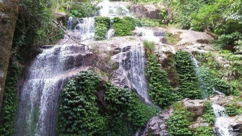 Surga Tersembunyi di TNKS Kerinci, Air Terjun Lembah Khayangan Mempunyai 13 Tingkat