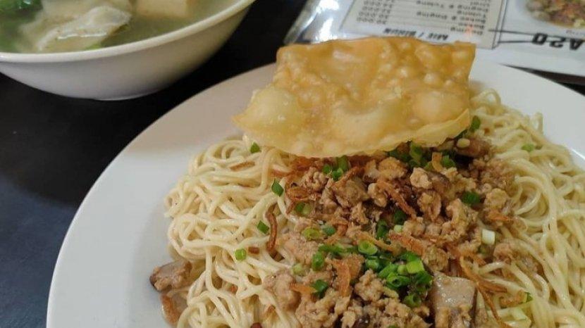 Wisata Kuliner Jambi, Berikut Daftar Kedai Mie Pangsit di Kota Jambi, Ada Yang Halal & Non Halal Lho