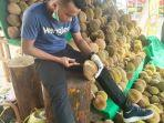 angga-durian.jpg
