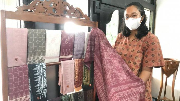 Inovasi Batik Tulis di Rumah Batik Azmiah Dilakukan Dengan Teknik Tulis Digital