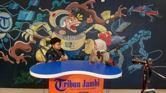 Gayatri Chandra, Kontestan Indonesian Idol Asal Jambi, Ingin Bermanfaat Bagi Banyak Orang