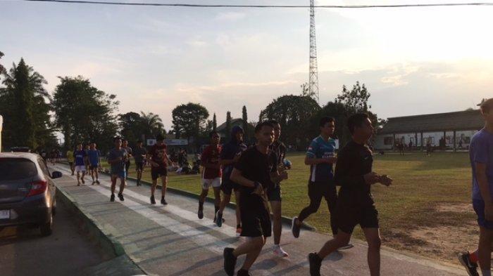 Masyarakat Terapkan Hidup Sehat Dengan Berolahraga Saat Pandemi, Padati Arena Joging di Kota Jambi