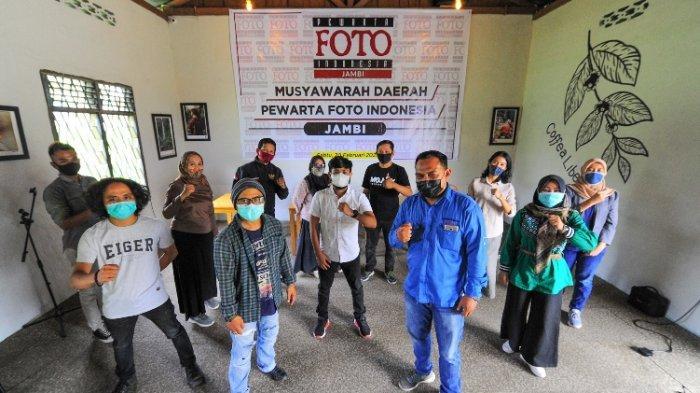 Aldino, Jurnalis Tribun Jambi Nahkodai Pewarta Foto Indonesia Jambi Periode 2021-2024