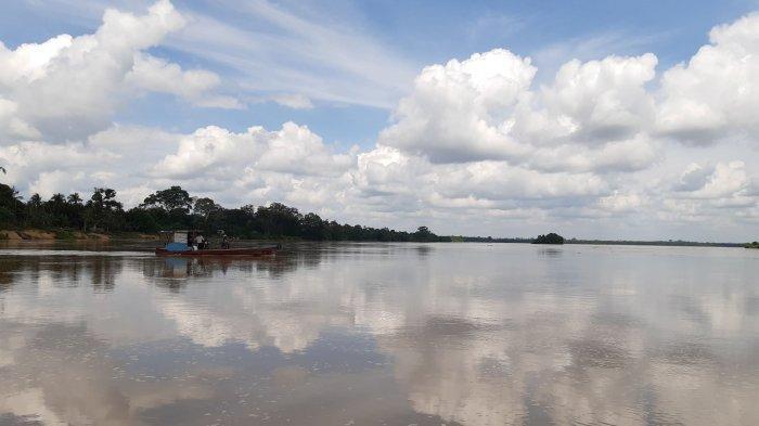 Sungai Batanghari di kawasan Desa Kumpeh, Londrang dan Niaso Kabupaten Muarojambi