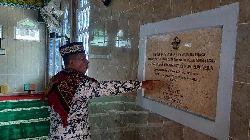 Masjid-Besar-Al-Hidayah-3.jpg