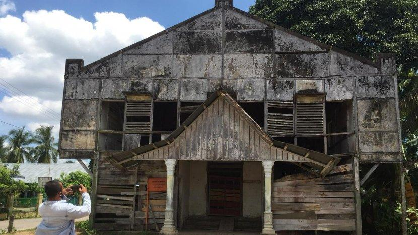 Melihat Nasib Bangunan Bersejarah Peninggalan Belanda di Muara Tembesi Yang Dibiarkan Terbengkalai