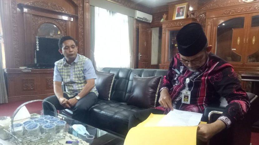 Cara Budi Setiawan, Ketua KONI Provinsi Jambi Membagi Waktu untuk Tugas dan Bisnis