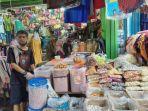 Pedagang-kue-kering-di-Pasar-Jambi.jpg