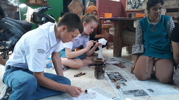 Belajar Membatik di Adisty Batik Alas Penggaron Kabupaten Semarang, Bahkan Bule Pun Tertarik