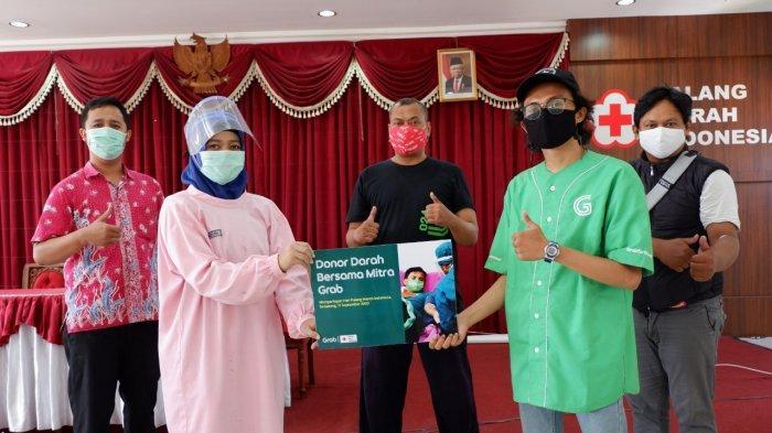 Atasi Kekurangan Stok Darah di Masa Pandemi, Grab Gelar Donor Darah bagi Mitra Pengemudi Jawa Tengah