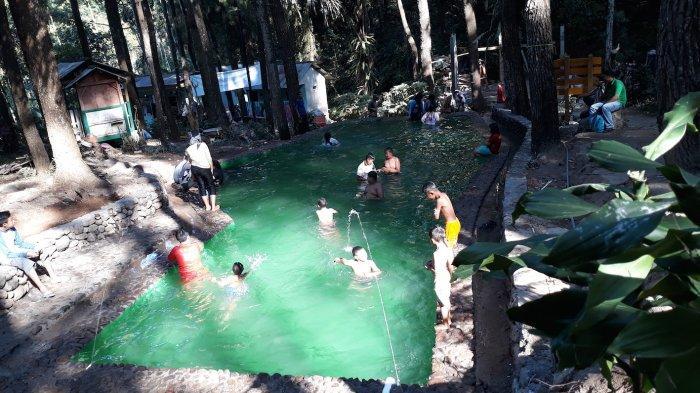Kolam Renang dari Air Gunung Ungaran, Renang Siang Hari Dijamin Antigosong
