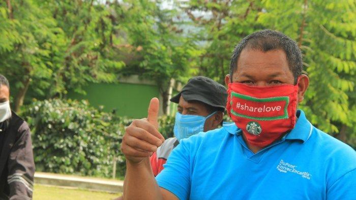 Starbucks Mendonasikan Masker Buatan Tangan kepada Petani Kopi melalui Gerakan 'Melewati Cakrawala'