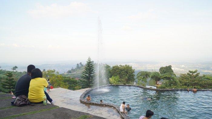 Sensasi Berenang di Taman Renang Alam Umbul Sidomukti Dari Ketinggian 1.200 mdpl