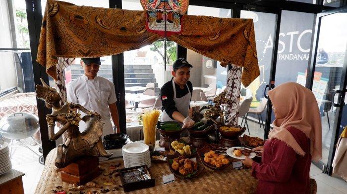 Menikmati BBQ dan Waroeng Wedangan Dari Puncak Tertinggi Gedung Hotel Aston Inn Pandanaran Semarang