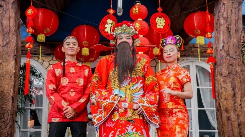 Cai Shen, Dewa Rejeki Dolan Saloka dan Berbagi Rejeki, Ada Smartphone Hingga Aneka Hadiah Menarik