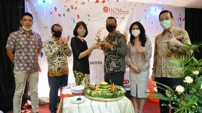 Ulang Tahun Ke-7 @Hom Hotel Simpang Lima Semarang, Luncurkan Kamar Baru