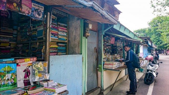 Cari Buku Harga Miring di Semarang, Kios Buku Belakang Stadion Diponegoro Tempatnya