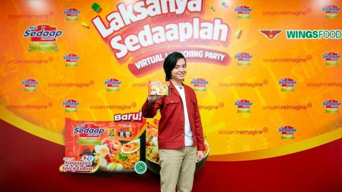 Aktor Angga Yunanda, pamerkan Mie Sedaap Selection Singapore Spicy Laksa