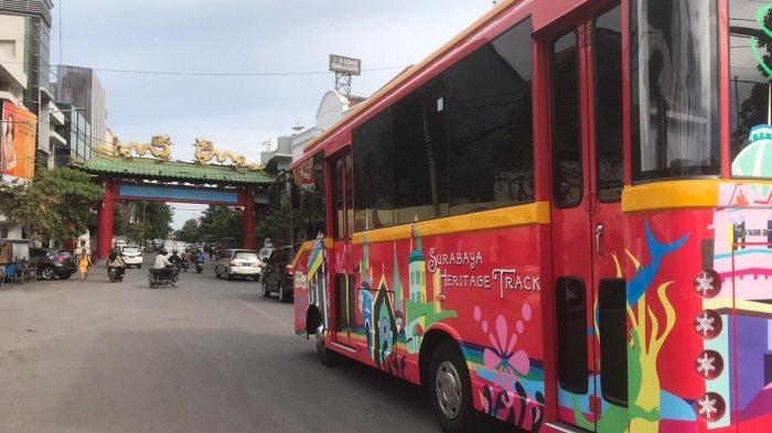 Wisata Gratis, Cobain Serunya Naik Bus SHT Menjelajah Lokasi Sejarah di Surabaya