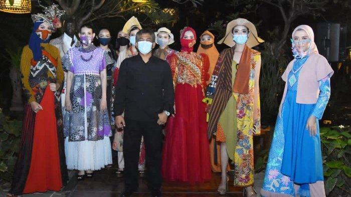 East Java Fashion Harmony 2020 Hadir Memamerkan Batik dan Keindahan Pantai Solong Banyuwangi