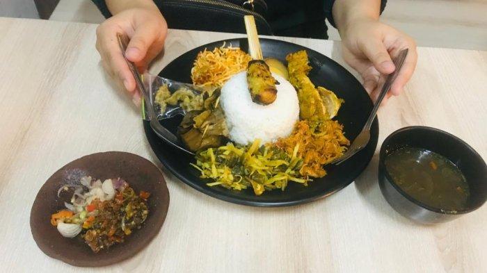 Menyantap Kuliner Bali di Bli Badre Malang, Coba Sambal Lalah Ada Sensasi Pedas Goyang Lidah