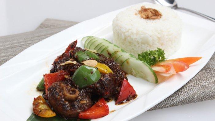 Wyndham Hotel Surabaya Siapkan Menu Paket Iftar Ramadhan, Catering Service Antar Sampai Rumah