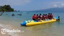 Harga Tiket Naik Banana Boat dan Perahu Jelajah Laut di Pantai Karanggongso Trenggalek