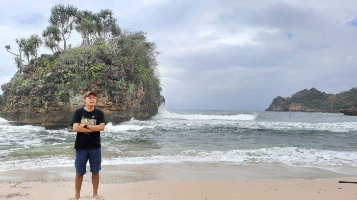 Wisata Pantai Selok Menawarkan Keindahan Pantai dan Suasana Tenang