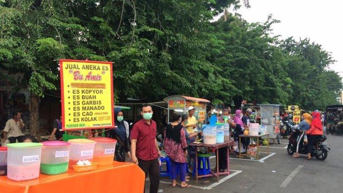 PSBB Surabaya, Cerita Pedagang Jajakan Takjil di Karang Menjangan : Tidak Seramai Tahun Lalu