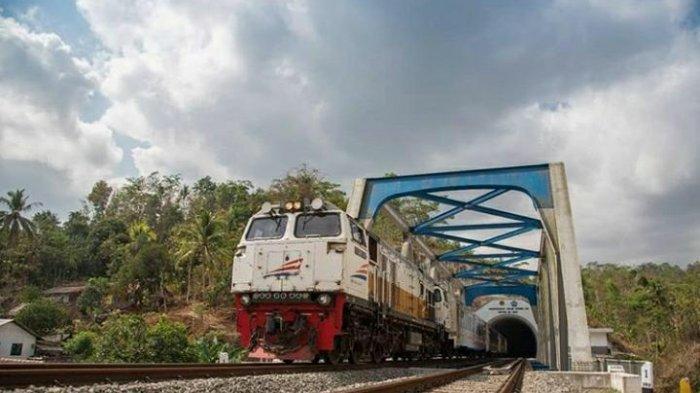 BREAKING NEWS : Naik Kereta Dari Surabaya Wajib Ada Surat Rapid Test Antigen Mulai 22 Desember 2020