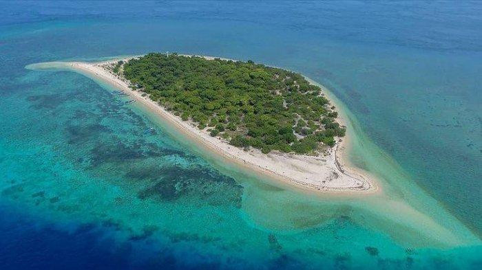 Keindahan Pulau Tabuhan Banyuwangi, Cocok Untuk Snorkeling Hingga Spot Foto Prewedding