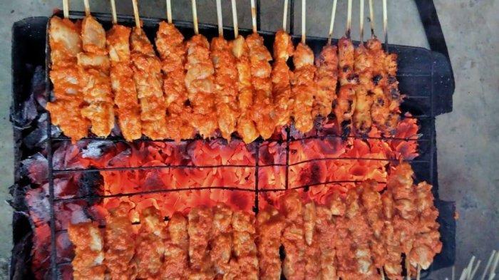 Sate Ayam Bumbu Merah Madura,  Kuliner Sedap yang Cocok Disantap dengan Lontong