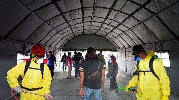 Cegah Corona, Penumpang Kapal di Pelabuhan Ketapang Wajib Lewati Terowongan Disinfektan