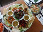 menu-keroyokan-ala-hotel-maxone-dharmahusada.jpg