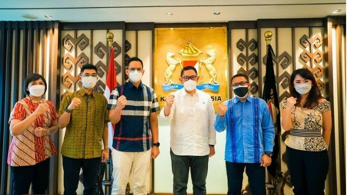 Yayasan Kemanusiaan Kadin Indonesia dan Suntory Garuda Salurkan Bantuan untuk Percepatan Vaksin