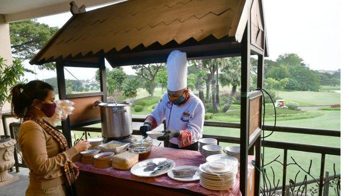 Menikmati Buka Puasa dengan Masakan Tradisional Kampoeng Nusantara dari Pinggir Lapangan Golf