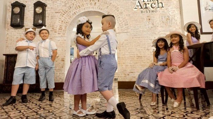 Koleksi Busana Dansa Bernuansa Vintage ala Sinyo Nonik Belanda Karya Zriel Clothing