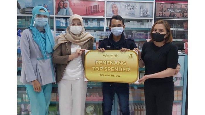 Jalin Kedekatan dengan Mitra dan Konsumen, Wardah Gelar Program Top Spender hingga Bagikan Emas