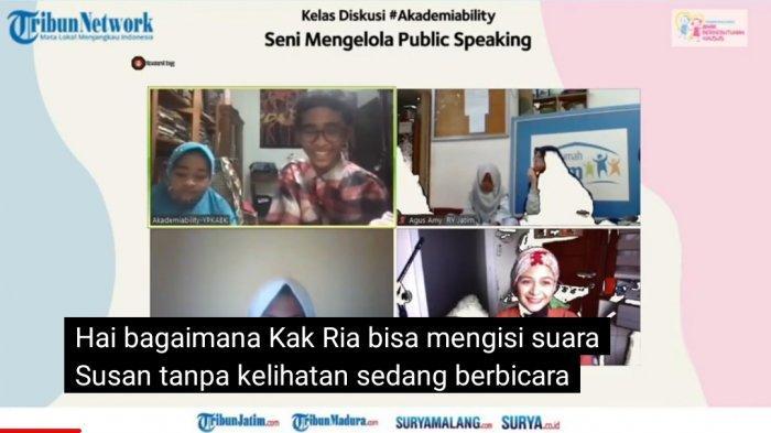 Ria Enes Edukasi ABK Lewat Seni Mengelola Public Speaking Lewat Fans Figure Boneka Susan