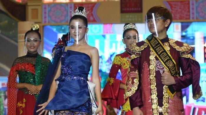 Pemilihan Putera Puteri Pariwisata Jatim Peragakan Batik Daerah, Ada Ringin Contong dari Jombang