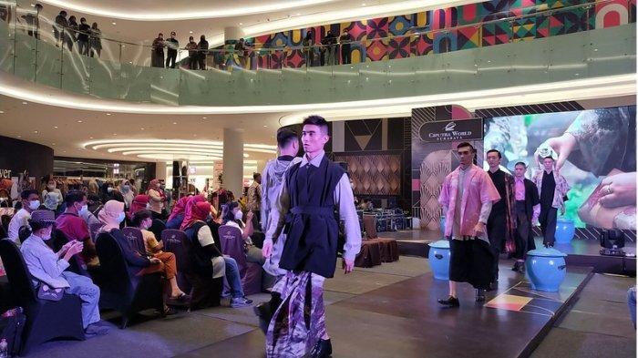 Para Finalis Most Man Peragakan Busana Hasil Karya Anak Berkebutuhan Khusus di Men Fashion Style