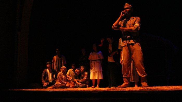 Komunitas Teater Kaki Langit