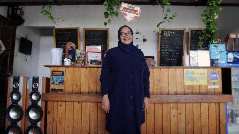 Suka Bisnis Sejak Kuliah, Ajeng Nur Anisa Pernah Jualan Kalung Flanel hingga Jilbab