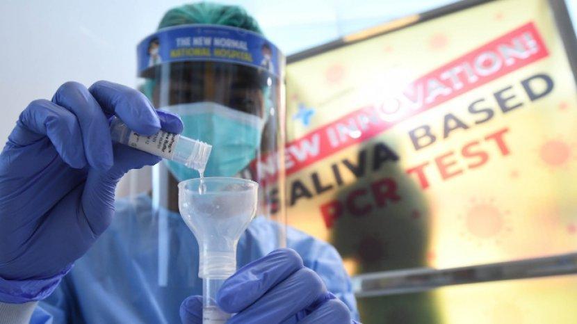 Cukup 'Meludah', Saliva Based Testing Diklaim Lebih Akurat dari Swab PCR Biasa