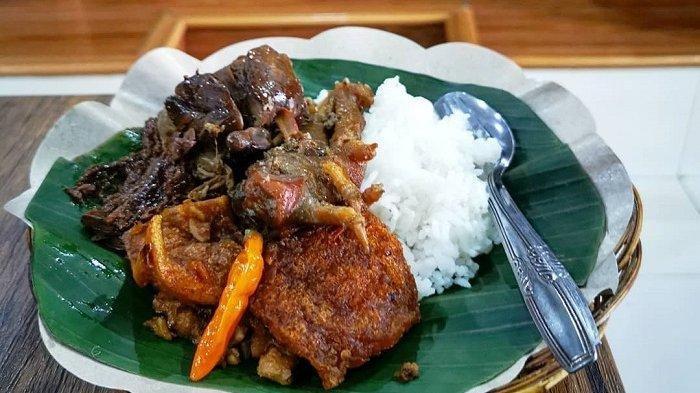 10 Menu Makanan Khas Jogja di Dekat Jalan Malioboro