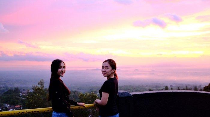 Ketep Pass, Tempat Bagus untuk Melihat Pemandangan 'Sunset' yang Indah