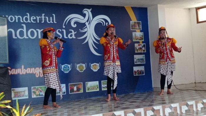 Dinas Pariwisata Kulonprogo Luncurkan Seni Musik Krumpyung