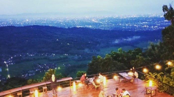 Ngopi Sembari Melihat Pemandangan Sunset di Millenial Coffee & View