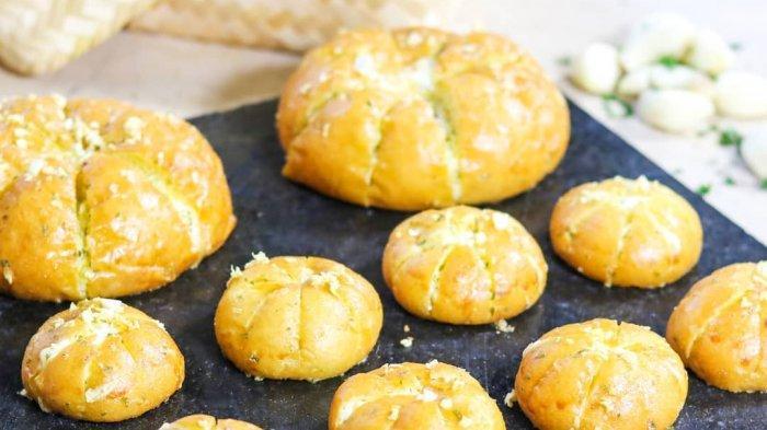 Cassia Cake Shop Grand Aston Yogyakarta Hadirkan Minion Korean Garlic Cheese Bread