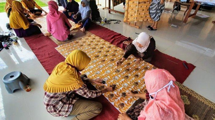 Menyelamatkan Batik Topeng Khas Putat Gunungkidul Dari Dampak Pandemi